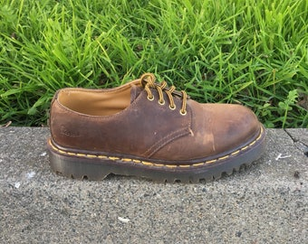 Dr Martens Shoes - Size 4 UK - Size 5 US Mens - Size 6.5 US Womens - Brown Docs - Dr Martins - Made in England - Vintage Clothing -