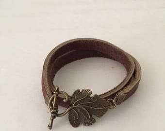 Leather double wrap bracelet with toggle closure