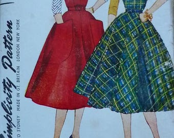 "Vintage Sewing Pattern. Simplicity 3968. Jumper,blouse and dress. Bust 34""."