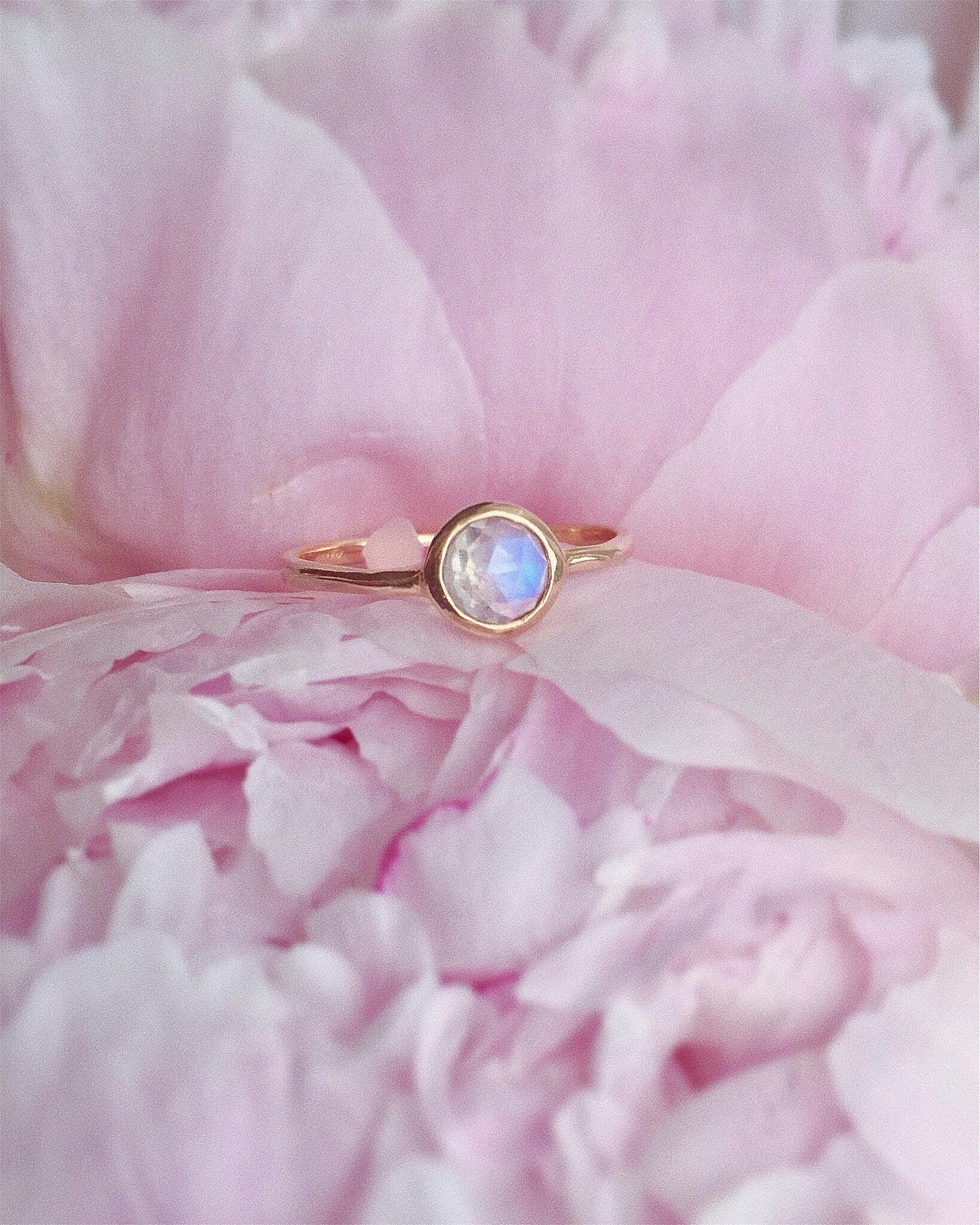 Solid 14K Rose Yellow Gold Rainbow Blue Solitaire Round