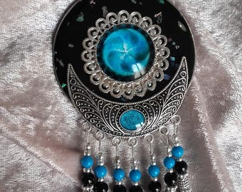 Bohemian jewelry necklace big pendant Black Silver turquoise mother of Pearl chips beads