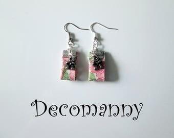 Boucles d'oreilles tissus liberty fleurs roses Betsy Ann et breloques noeuds