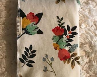 floral baby blanket//floral swaddle blanket//floral organic cotton blanket//flower blanket