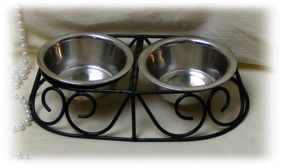 Kitty Food Bowls & Stand