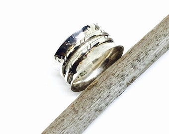 10% Spinner ring. Sterling silver 925. Size -5,6,7,8,10. Simple elegant ring. Satisfaction guaranteed