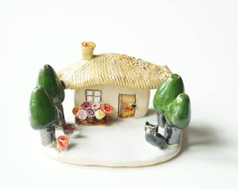 Miniature House, Housewarming Cake Topper, Little House, Little Sculpture, Ceramic Cake Topper by Her Moments