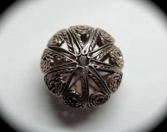 Antique Button ~ Real Silver Filigree Ball