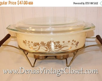 On Sale 25% OFF Vintage Golden Bouquet Pyrex Casserole Dish 2 1/2 Quart  with Glass Lid 045 Covered Baking Dish W/Warming Stand