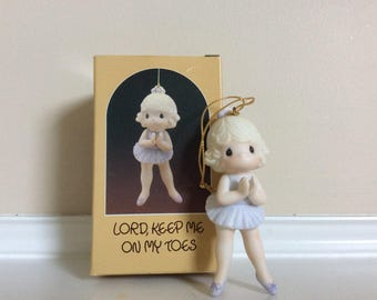 """A Vtg New! Precious Moments Ornament Ballerina Figurine """"Lord Keep Me On My Toes"""" #102423."""