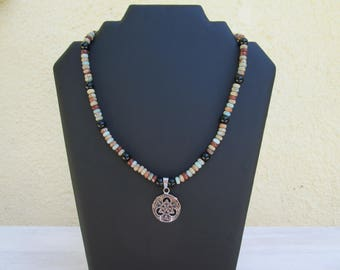 Serpentine stone triquetra necklace