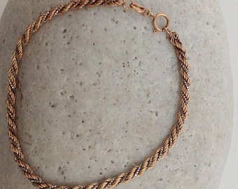 A Vintage 9ct Yellow Gold Twisted Rope and White Metal Box Chain Bracelet