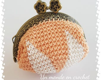 Retro purse (PDF only in french)