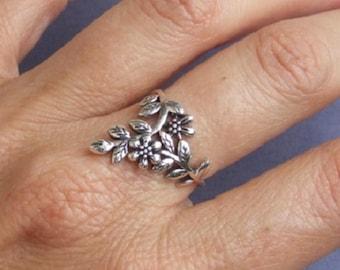 Sterling Silver Ring, Silver Ring, Silver Flower Ring, Silver Leaf Ring, Silver Branch Ring, Silver Floral Ring, Silver Band Ring