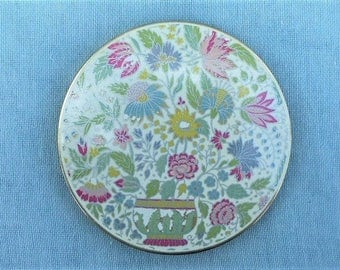 STRATTON  - Vintage 1970s Creamy-white and Pastel Flowers Enamel Powder Compact with Original Sifter and Powder Puff