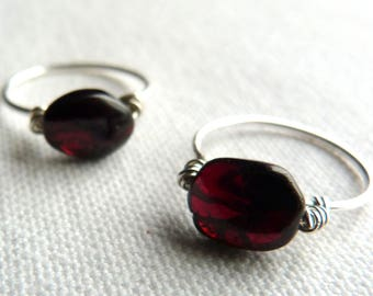 Fine silver ring 925 and Burgundy natural stone - size 52.