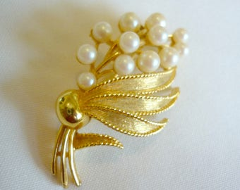 Vintage Gold Toned OMJENT Pin With 12 Faux Pearls