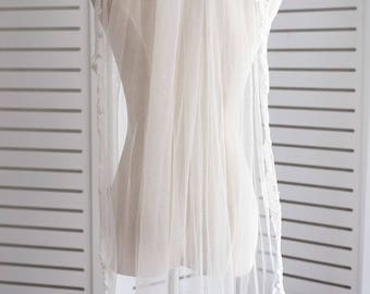 Lace Bridal Veil with Comb, Wedding Veil, Fingertip Bridal Veil, Ivory Bridal Veil, Fingertip Wedding Veil, Lace Wedding Veil Sale