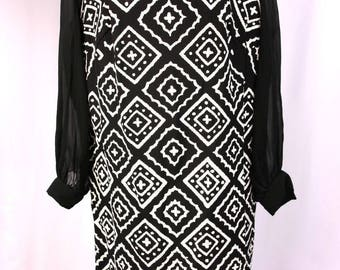 Vintage 1960's Black & White Pebble Diamond Pattern Dress with Chiffon Sleeves, Keyhole Neckline