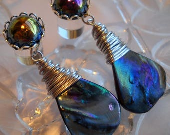 Dangle Plugs, Dangle Gauges, 0g Plug, 00g Plug, Teardrop Shell Dangle plugs, Rainbow Shell Dangle Plugs