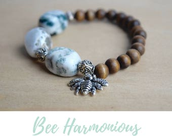 Agate Yoga Bracelet / calming bracelet, save the bees, yoga agate bracelet, insect jewelry women, heart chakra yoga, crown chakra stones