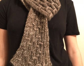 Knit Gray Trellis Scarf