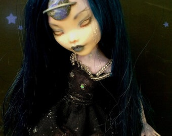 Monster High repaint, Monster High OOAK, Monster High custom of Lalarossa, Draculaura, Galactica