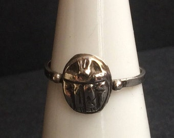 Pretty silver scarab ring - Ancient Egypt - handmade in Cairo