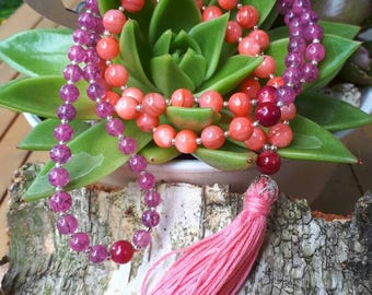 Pink / Peach mala necklace with shell  pearls.