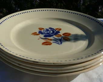 Four French Vintage plates Badonviller Demi Porcelain. Stylish Stencil Ware from the 1920's in Good Condition.