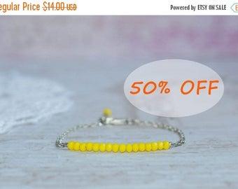 Yellow bead bracelet, Yellow bracelet, Yellow bracelets Yellow beaded bracelet, Braccialetto giallo, Gelbe Armband Bracelet jaune Minimalist