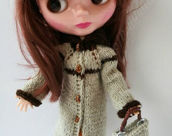 Knitted Coat in Wool With Shawl Collar for Blythe, Barbie, momoko dolls