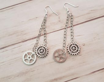 Earrings mechanism and metal chains