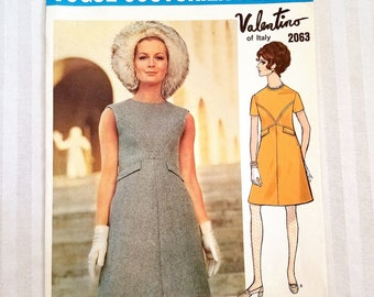"""Vintage 60's Vogue Couturier Design By Valentino Of Italy #2063, Size 10, Bust 32.5"""", Hip 34.5"""""""