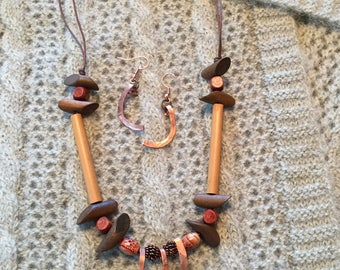 Necklace and Earrings with copper and wood