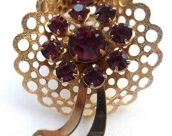 Brooch FLORAL bouquet cluster in gold tone purple coloured stones vintage pin