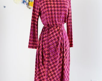 1990s Dress - Faux Wrap - Pink Houndstooth Print - S/M - Anne Klein - Long Sleeve - Belted - Office Appropriate - Day Dress