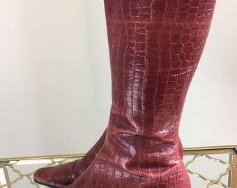 """1990s Boots - Faux Alligator Skin - Hush Puppies - Burgundy Red - Side Zip - Pointy Toe Rubber Sole - 2"""" Heel - Size 8 US 39 EU"""