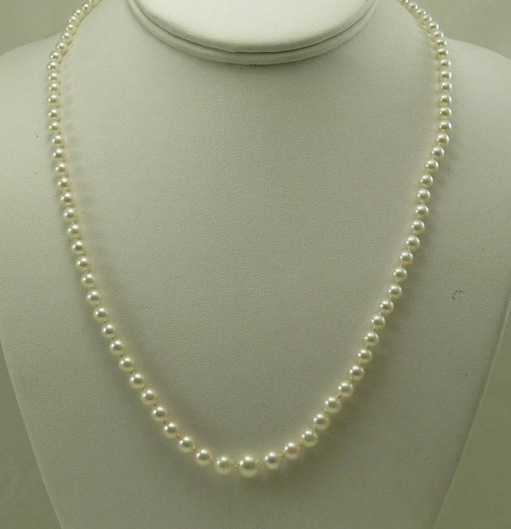 Akoya White Pearl Graduated Necklace 14k Yellow Gold 20 Inches Long