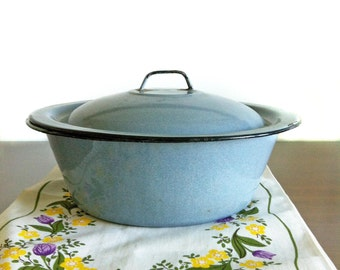 1950s Vintage French Enamel Blue Gray Lidded Pot, Lidded Enamel Pot, Enamel Cooking Pot, Blue Enamel Ware, French Enamel, French Country
