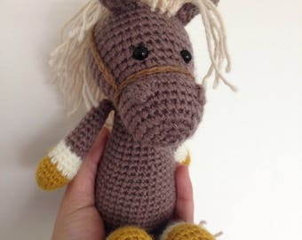 Dakota mini pony or horse blanket, plush amigurumi Brown
