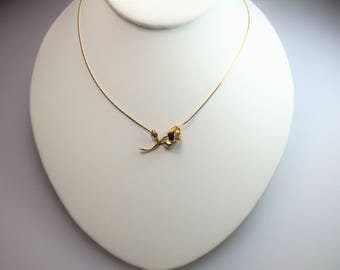 Vintage Gold Tone Dimensional Rose Stationary Pendant Necklace 15 Inches Designer Signed Monet