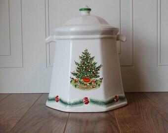 Vintage Christmas Cookie Jar, Heritage Collection, Pfaltzgraff Cookie Jar, Christmas Cookie Jar, Vintage Christmas China Set, Christmas Tree