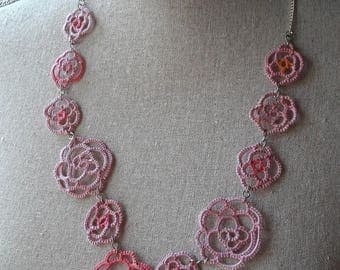 With Roses tatted necklace in pink