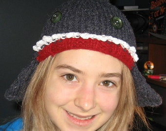 Shark hat with detachable cowl