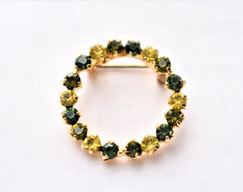"Vintage Rhinestone Geometric Circle Wreath Brooch 1"" Coat Sweater Pin Green Yellow Gold Tone Retro Costume Jewelry"