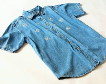 Vintage Mini Embroidered Daisy Denim Short Sleeve Top - Solutions medium m floral flowers chambray jean boxy 90s