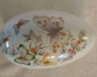 Avon Fine Porcelain Egg ,butterfly porcelain egg , vintage Avon, Avon collectible ,porcelain art eggs, Jewelry holder, spring home decor