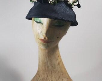 1950s Queen Bee