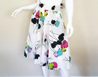 Vintage 50s Skirt / Alice of California Floral Skirt with Sash / Cotton 50s Skirt / Novelty Print / Size M / 28 Inch Waist