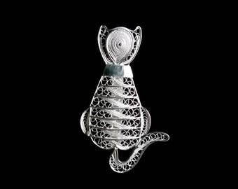 Cat Jewellery - Cat Brooch Gato Sentado - Gifts for Cat Lovers - Sterling Silver Brooch, Filigree Brooch, Cat Jewelry, Cat Themed Gifts